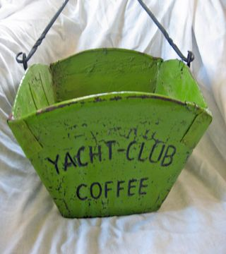 Vintage-green-coffe-wooden-